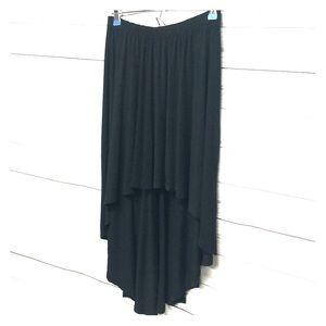 💛3 for $20💛 Black Hi-Lo skirt